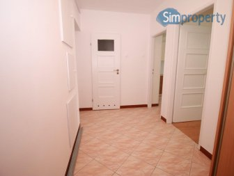 For rent 2-room apartment on Grabiszyńska Street located on the 3rd floor.