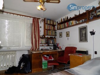 Zamienię czteropokojowe mieszkanie na mniejsze z dopłatą.