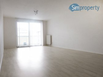 Beautiful sunny 2 room apartment with parking and storage