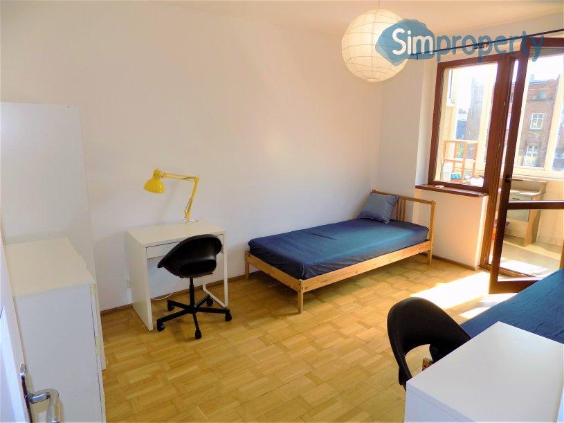 3 pokoje przy Kromera, osobna kuchnia, balkon.