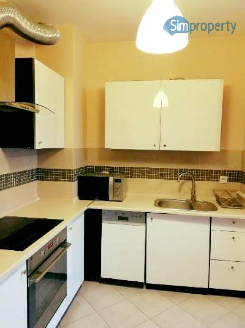 For rent tasteful apartment 3 minutes by foot from Grunwaldzki Square.