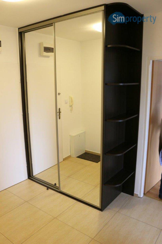 2-room apartment on Kromera Street.